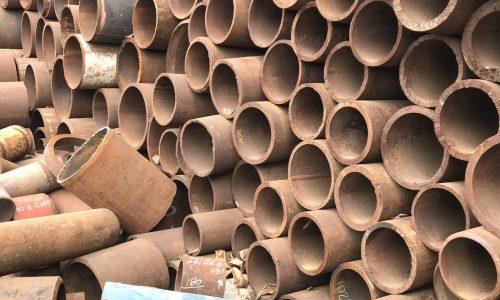Subprodutos-Produto-de-escolha_-Tubos-de-ferro-de-diferentes-tamanhos-e-espessuras